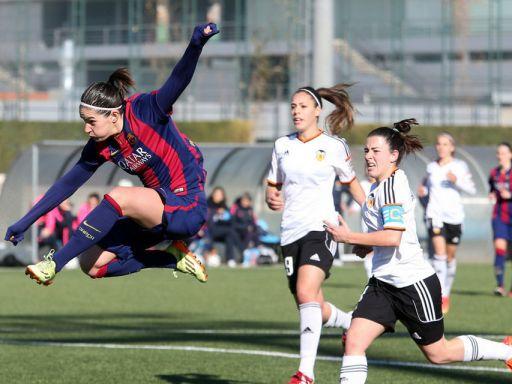 El Barça femenino pierde en casa tres años después
