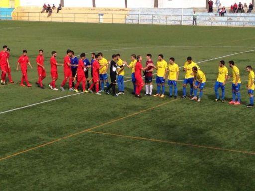 Sobreviviendo en Tercera División: Conil FC