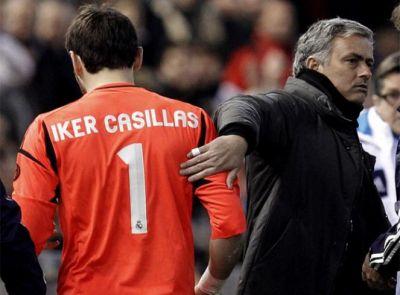 """Casillas: """"Ya estoy recuperado, míster"""" Mourinho: """"Pues sienta que ahora tengo a Diego López en el Comunio de titular y necesito los puntos"""""""