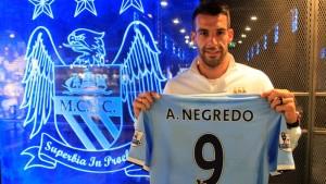 Negredo holding image final