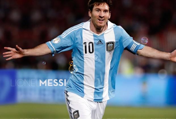 Messi con la mirada en Brasil 2014 (Foto: lanuevanoticia.com)