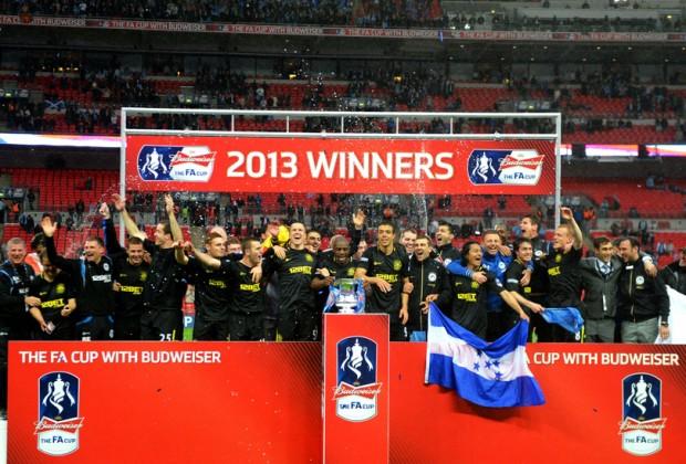 El Wigan celebrando su título de FA CUP en la pasada temporada (www.colgadosporelfutbol.com)
