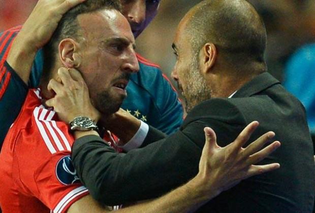Ribery y Guardiola celebran el tanto del francés. (foto: www.rtve.com)