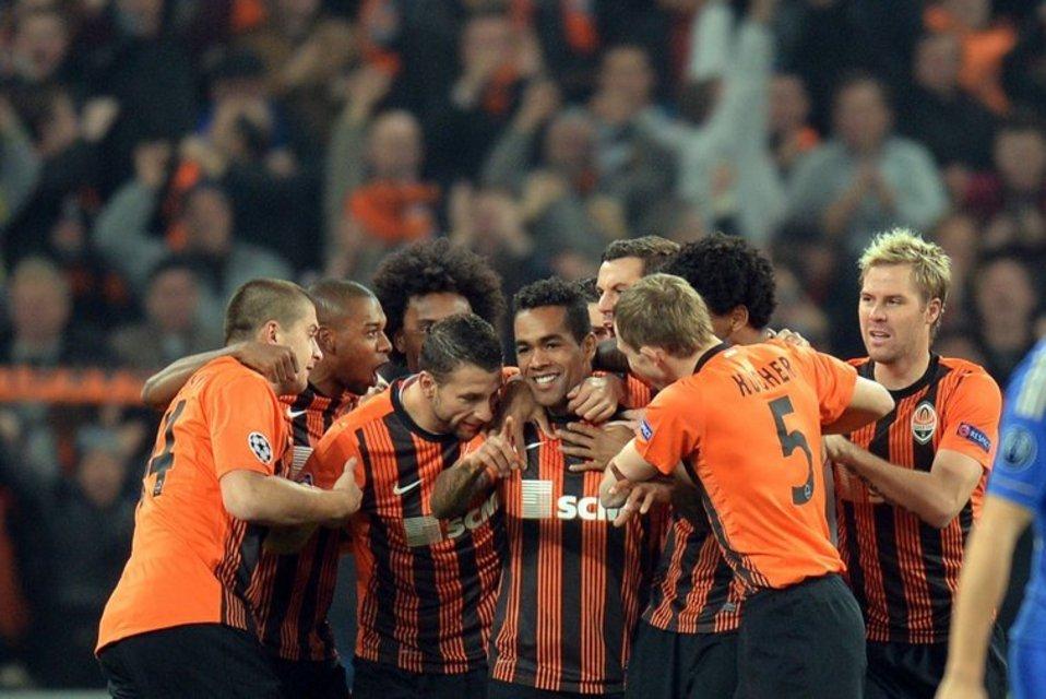 Jugadores del Shakthar celebrando un gol (www.mundodeportivo.com)