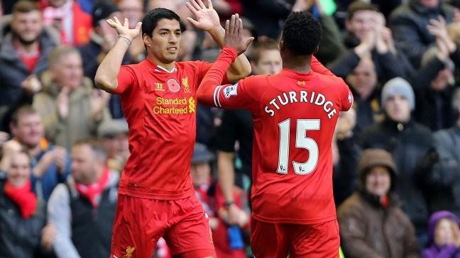 Luis Suárez y Daniel Sturridge celebrando un gol (www.lfcway.com)