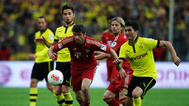 Thomas Müller y Nuri Sahin (Foto: kikcer.de)