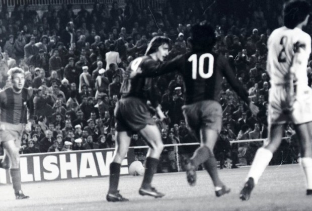 Cruyff y Sotil Barcelona 0-5 Real Madrid 1974