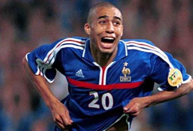 Festejo de Trezeguet para la victoria final de Francia ante Italia (Foto: gentileza de eurocopa.com)