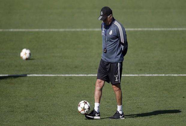 Ancelotti durante un entrenamiento previo a un encuentro de Champions
