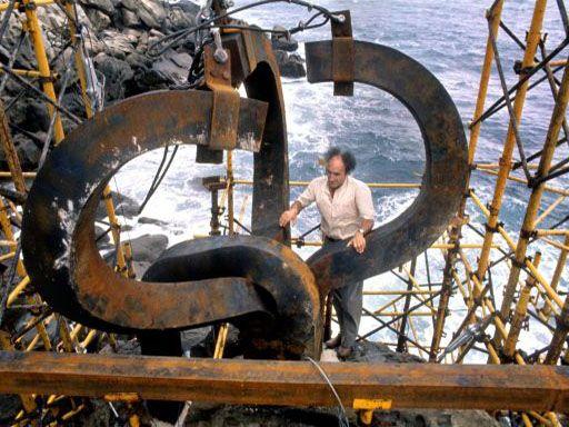Eduardo Chillida, el portero que se reinventó en escultor