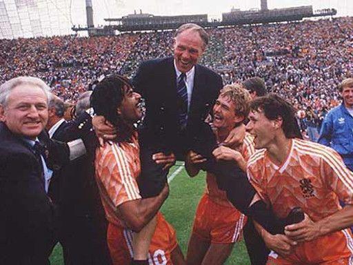 Rinus Michels, el General que guió al fútbol holandés