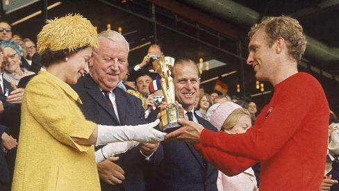 Bobby Moore Copa del Mundo Isabel II
