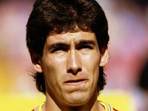 Andrés Escobar y lo que el fútbol no devuelve