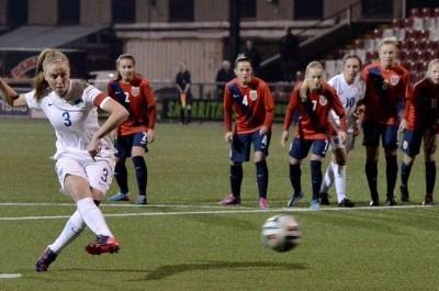 (Foto: marca.com) Penalti lanzado por la capitana de la selección inglesa