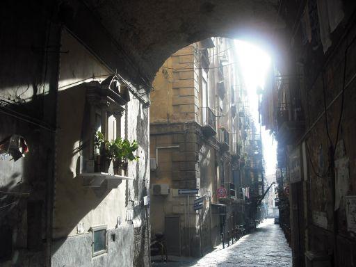 Nápoles, entre el fatalismo y lo divino